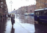 Советские автомобили на Невском проспекте в Ленинграде