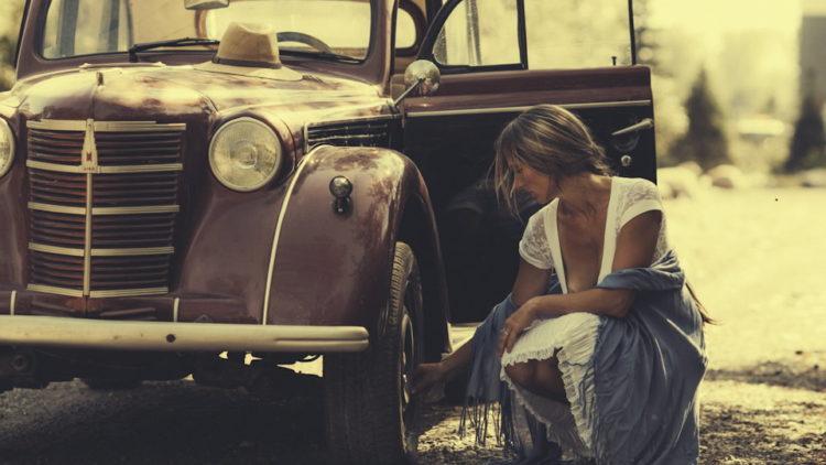Женские образы в фотосессиях с советскими ретроавтомобилями